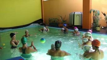 Pais procuram natação para bebês em busca de segurança para os pequenos