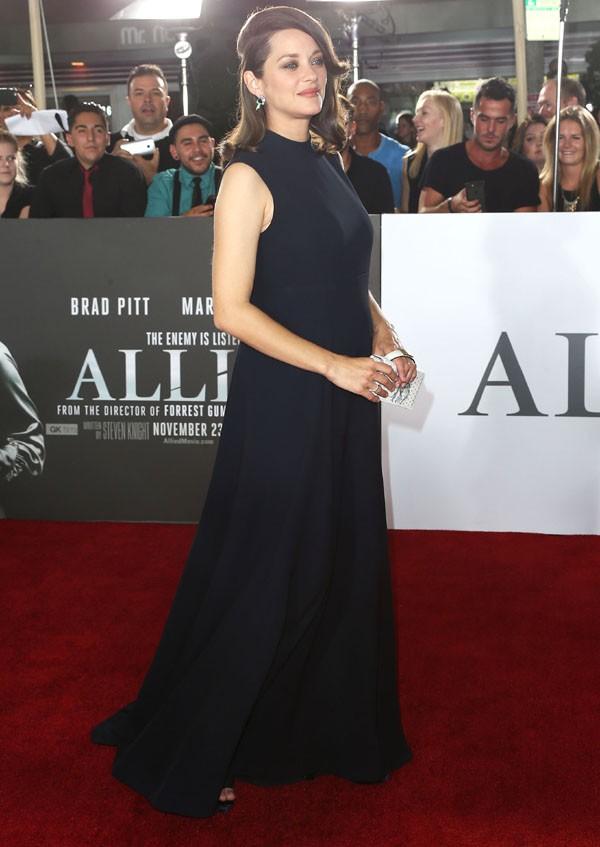 Marion Cotillard exibe barriguinha (Foto: Getty Images)