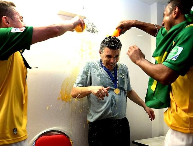 Marcos Sorato comemoração título Futsal Brasil (Foto: FIFA.com via Getty Images)