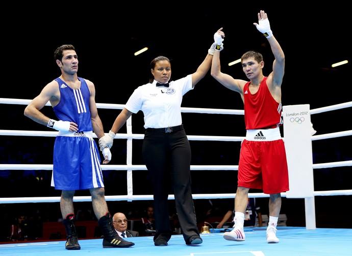 Wessam Salamana foi derrotado na estreia para um boxeador do Cazaquistão (Foto: Getty Images)
