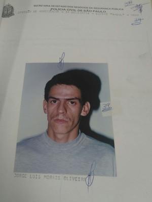 Jorge em documentos de processo de 1995 (Foto: Carolina Dantas/G1)