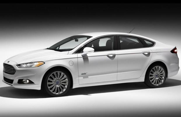 Ford Fusion Hybrid Foto Divulgação