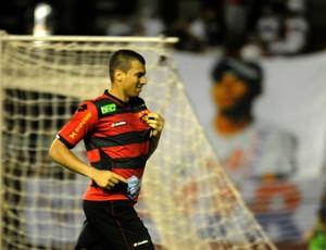 Sport x Paraná - Neto Baiano (Foto: Aldo Carneiro/ Pernambuco Press)