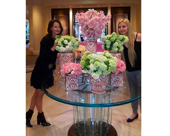 A atriz Amanda Bynes com uma amiga (Foto: Instagram)