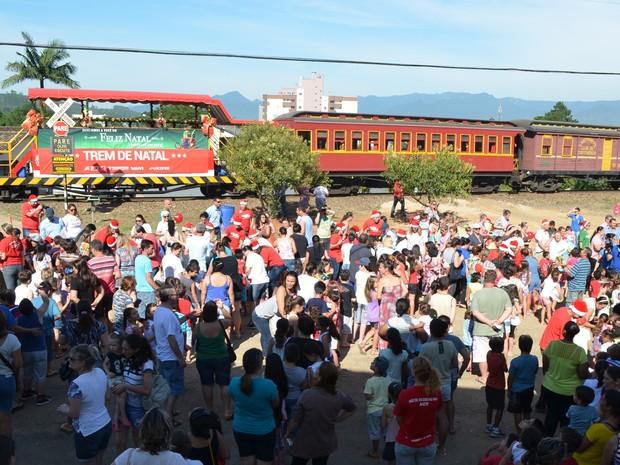 Trem de Natal passou na manhã desta quarta (9) por Siderópolis, no Sul catarinense (Foto: Prefeitura de Siderópolis/Divulgação)