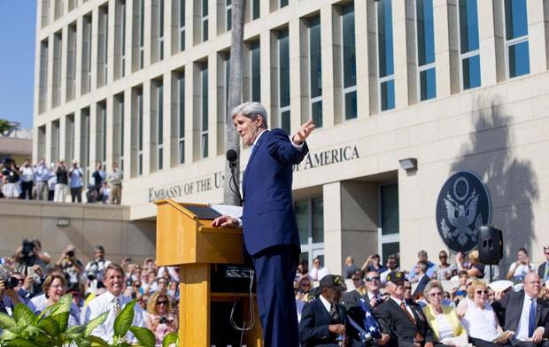 O secretário de Estado dos EUA, John Kerry, participa da inauguração formal da embaixada americana em Cuba (Foto: AP Photo/Pablo Martinez Monsivais, Pool)