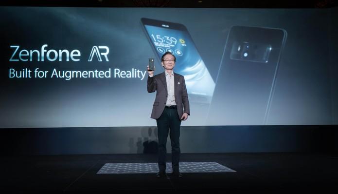 Asus mostra seus novos smartphones Zenfone AR e Zoom 3 na CES 2017 (Foto: Divulgação/Asus)