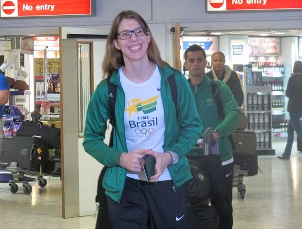 Natália Falavigna chega a Londres 2012 olimpiadas (Foto: Lydia Gismondi / GLOBOESPORTE.COM)
