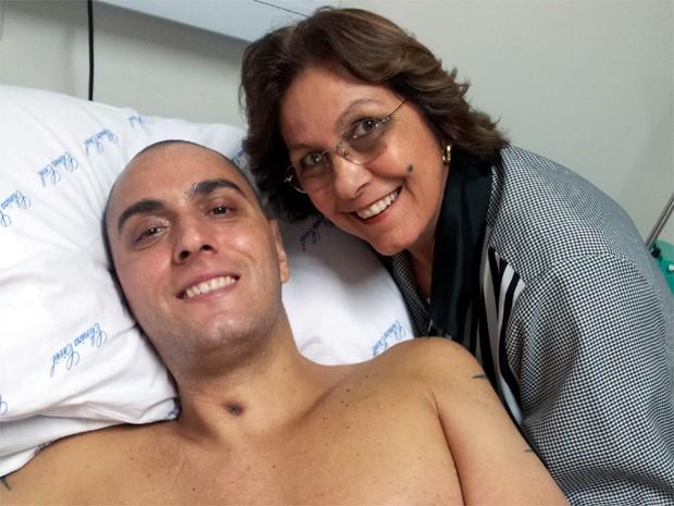 Renato ao lado da mãe Maria Beatriz (Foto: Rodolfo Tiengo/G1)