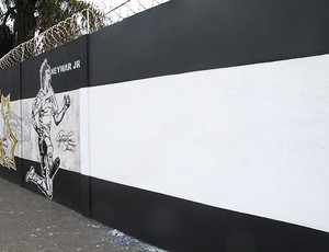 Muro CT Rei Pelé Ganso apagado (Foto: Marcelo Hazan / Globoesporte.com)