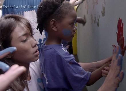 Danni Suzuki se emociona com apresentação de balé no 'Estrelas Solidárias'