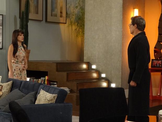 Carolina aplica o golpe da barriga em Felipe (Foto: Guerra dos Sexos/TV Globo)