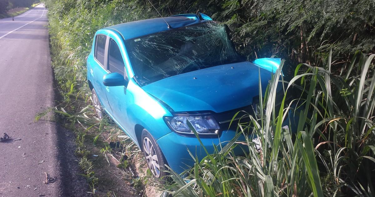 Acidente entre dois carros na BR-116 em Teófilo Otoni deixa oito ... - Globo.com