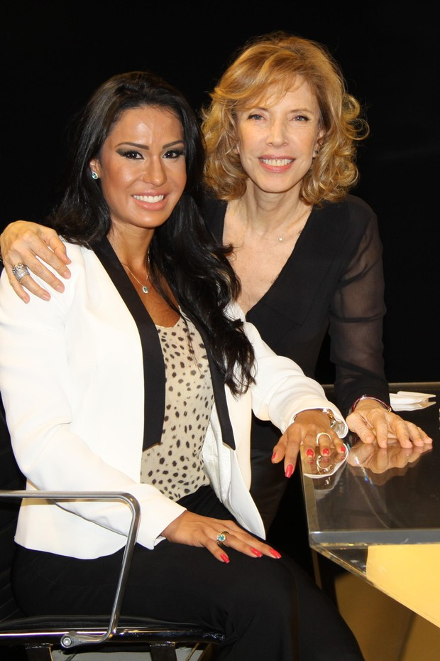 Gracyanne Barbosa e Marilia Gabriela (Foto: Carol Soares / SBT)