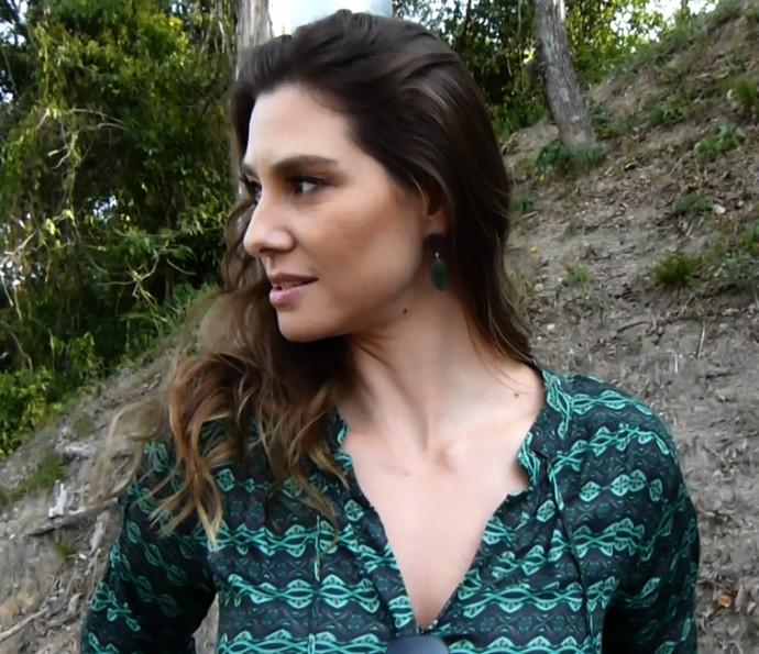 Lavinia Vlasak ensina receita de imitando comercial de xampu (Foto: Renata Viot/Gshow)