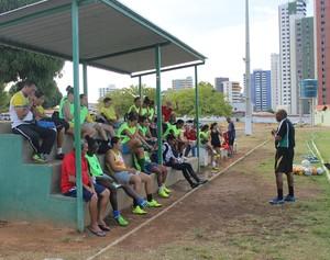 treino tiradentes-pi (Foto: André Leal/GloboEsporte.com)