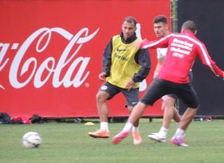 Alan Patrick tem o desejo de permanecer no Inter (Foto: Tatiana Lopes/GloboEsporte.com)