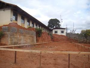 Escola Paulo Barbosa é reforma para atender mais alunos em Formiga (Foto: Secretaria de Comunicação Prefeitura/Divulgação)