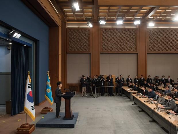 South Korean President Park Geun-Hye speaks during an address to the nation, at the presidential Blue House in Seoul on November 4, 2016. (Foto: Ed Jones/Pool via Reuters)