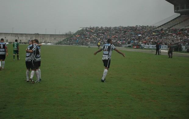 Lenílson, Botafogo-PB, Campeonato Brasileiro, Série D, Estádio Almeidão, Vitória da Conquista, gol (Foto: Richardson Gray / Globoesporte.com/pb)