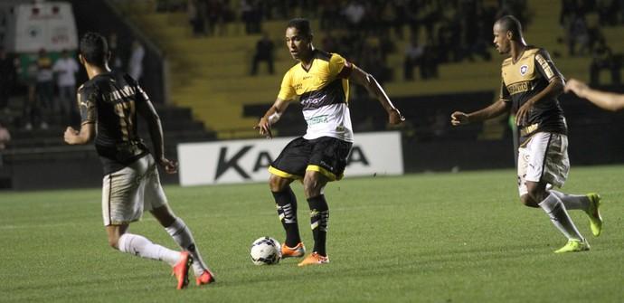 Cleber Santana Criciúma Botafogo (Foto: Fernando Ribeiro / Criciúma EC)