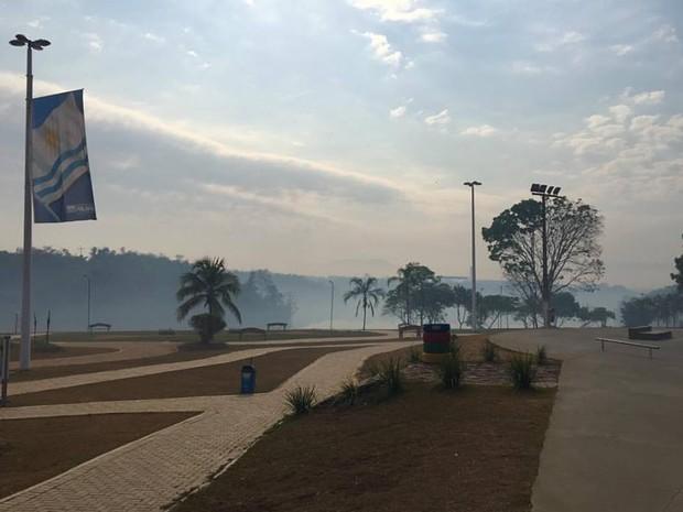 Morador registra fumaça sob a cidade de Palmas (Foto: Rafael Felipe/Divulgação)
