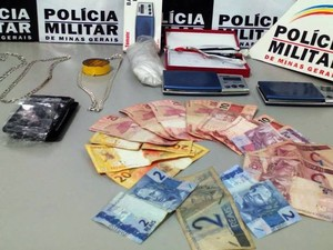 Apreensão em Divinópolis (Foto: PM/Divulgação)