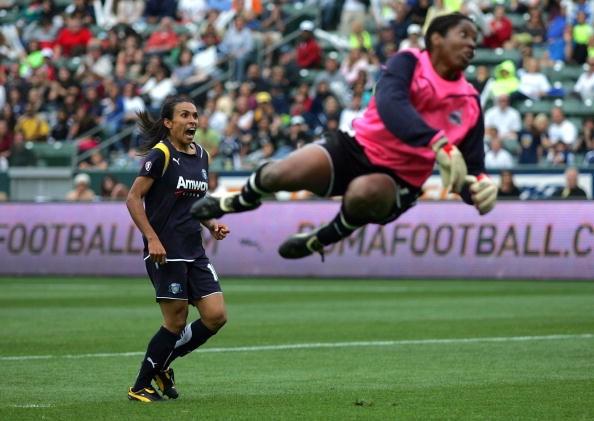 Marta em 2009 em jogo do Los Angeles Sol  (Foto: Getty Images)