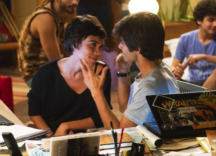Carla Salle e Daniel Blanco comentam romance de seus personagens em 'Totalmente Demais' (Foto: Renato Rocha Miranda/Globo)