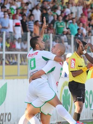 Rafael Tavares comemora primeiro gol do Luverdense (Foto: Assessoria/Luverdense Esporte Clube)