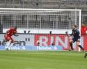 Gol de peito em impedimento tira vitória do Bayern contra 10 do Eintracht