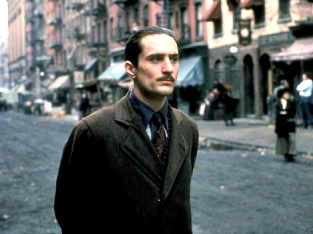 Robert De Niro interpreta o jovem Don Vito Corleone em 'O Poderoso Chefão 2' (Foto: Divulgação )
