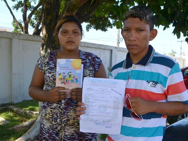 Pais de bebê buscaram resposta sobre sumiço no Amapá (Foto: Abinoan Santiago/G1)