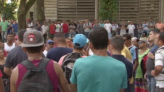 Moradores pedem apoio a vereadores por mais empregos em Cubatão, SP