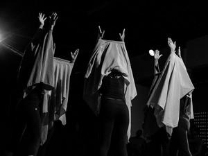 Peça pernambucana Retomada está na programação do TREMA! Festival de Teatro, no Recife (Foto: Fernando Figueiroa/Divulgação)