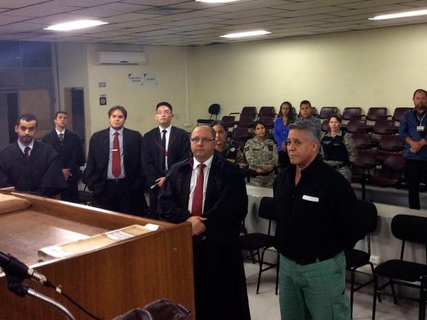 Marcos Aparecido dos Santos, o Bola, durante leitura da sentença em condenação por morte de carcereiro (Foto: Lucas Henrique Andrade/ TJMG Divulgação)