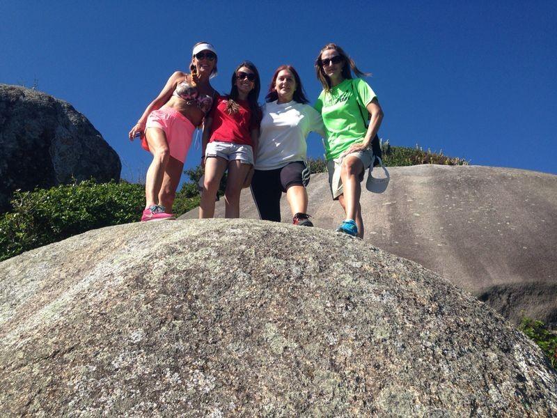 Adriana Krauss (de verde) com grupo de amigas (Foto: Adriana Krauss/Arquivo pessoal)