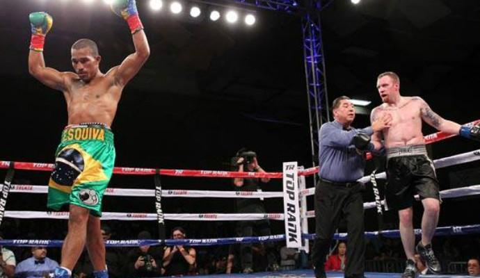 Esquiva Falcão Joshua Robertson boxe (Foto: Chris Farina / Top Rank)