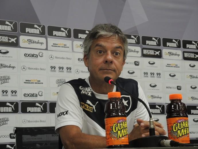 Luis Fernando Medeiros médico do Botafogo (Foto: Gustavo Rotstein / GloboEsporte.com)