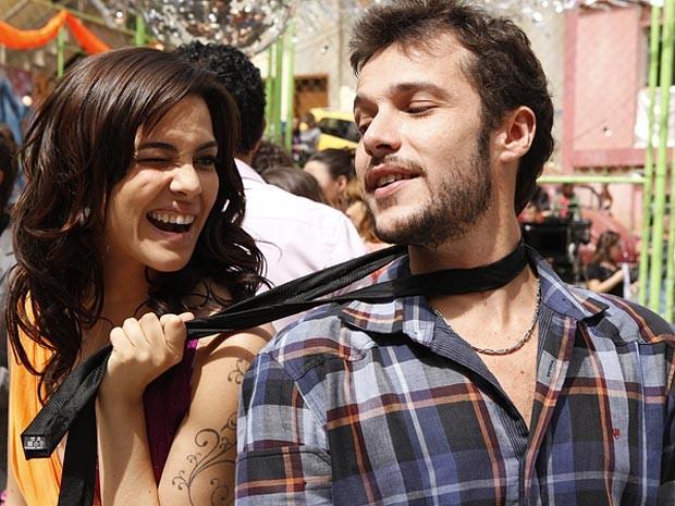 Liara e Rodinei: o casal hype também tem final feliz (Foto: Cheias de Charme / TV Globo)