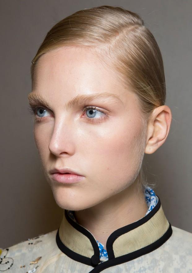 Cabeleireiro dá dicas para você descobrir a maneira ideal de repartir os cabelos (Foto: ImaxTree)