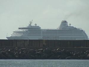 Transatlântico no Porto do Recife (Foto: Reprodução/TV Globo)