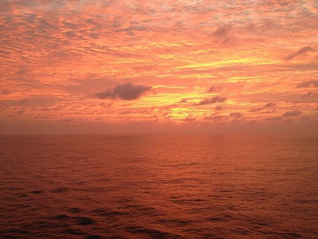 Fim de tarde na travessia do Atlântico (Foto: Rafael Queiroga/Arquivo pessoal)