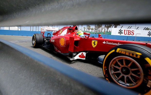 Felipe Massa no teste da F1 em Valencia (Foto: Reuters)