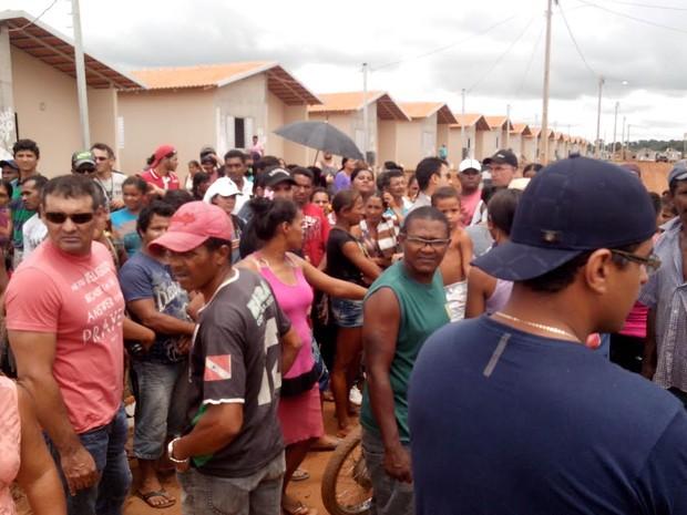 Ocupantes do bairro Jatobá pedem moradia (Foto: Glaydson Castro / TV Liberal)