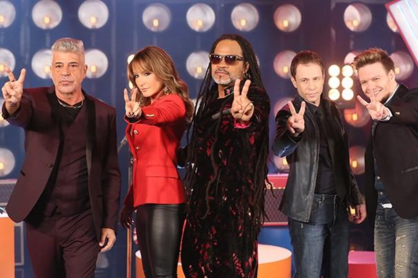 Lulu Santos, Claudia Leitte, Carlinhos Brown, Michel Teló e Tiago Leifert estão no The Voice Brasil 2015 (Foto: reprodução TV Globo)