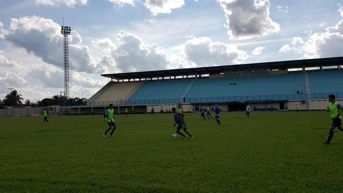 Peneira do Ji-Paraná deve decidir quais jogadores vão jogar durante o Rondoniense 2017 (Foto: Marco Bernardi)