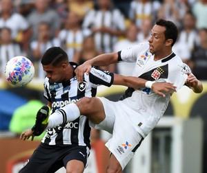 Nenê domina durante a final do Campeonato Carioca (Foto: André Durão)