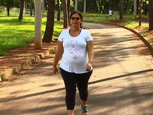 Bárbara Efrain, de Araraquara, procura frequentar lugares mais vazios (Foto: Reprodução/EPTV)