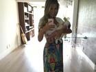 Adriana Sant'Anna posa com o filho no colo: 'Maior amor do mundo'